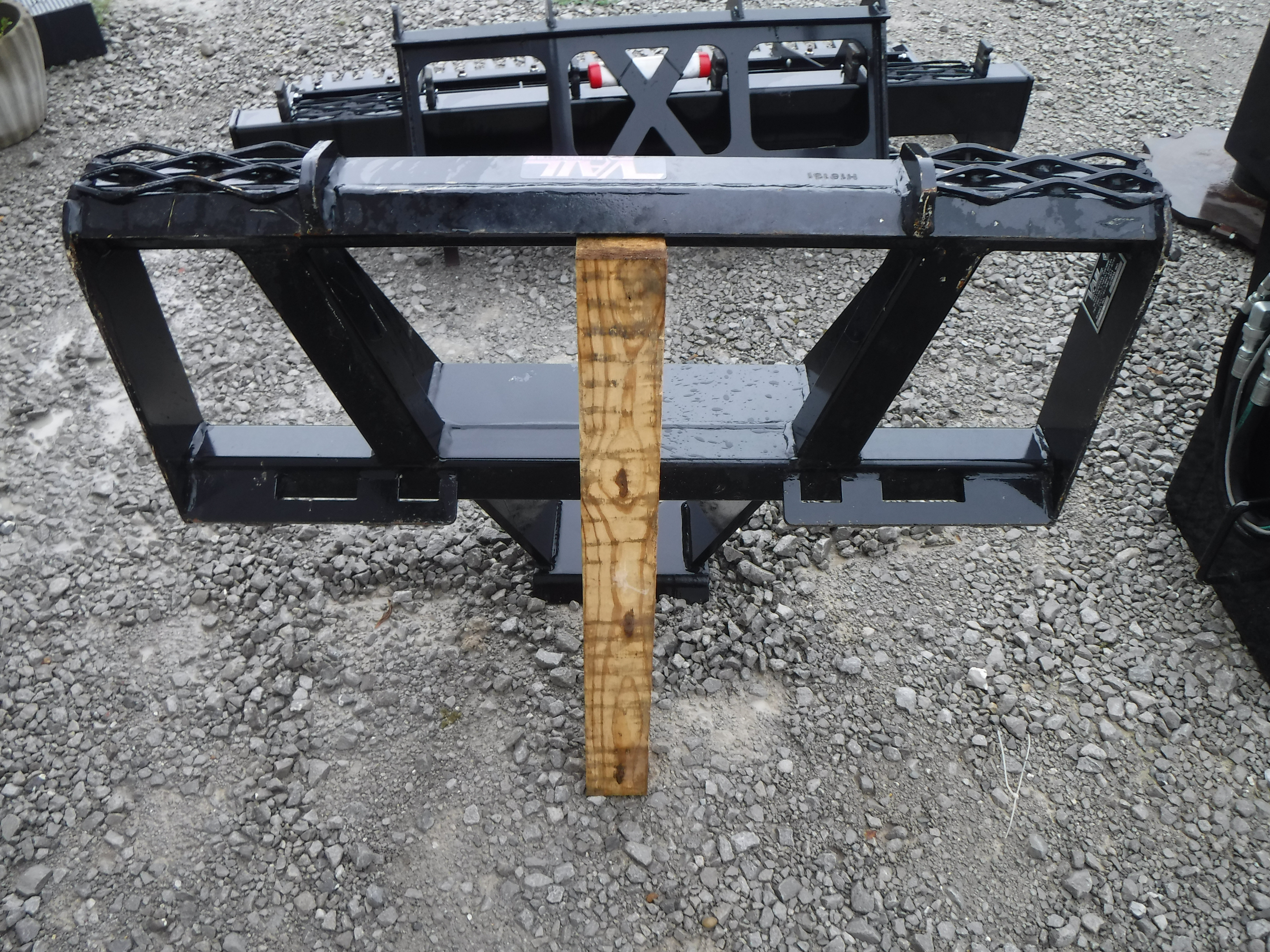 Vail Grubber Tree and Stump Remover